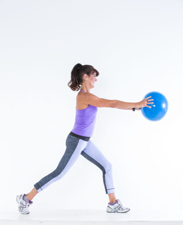 Reverse Lungs step 1 - Body Ball Cardio