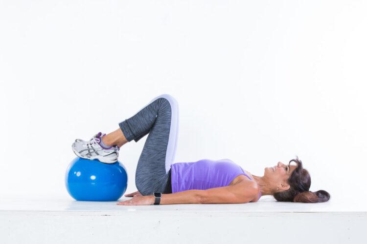 Hip thrust step 1 - Body Ball Cardio