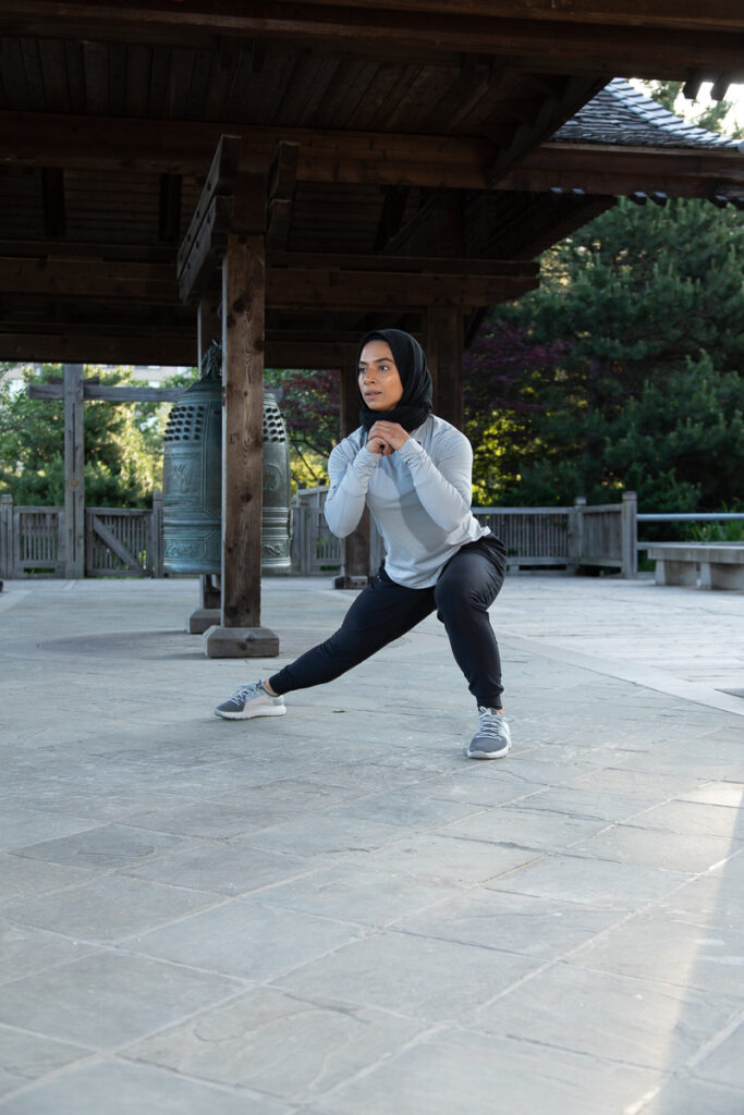 SIDE LUNGE WITH FRONT KICK - Step 6